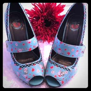 NWOT 2/90$ t.u.k 7 faux leather spike heels shoes